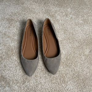 Frye & Co NWOT Taupe Flats Size 6
